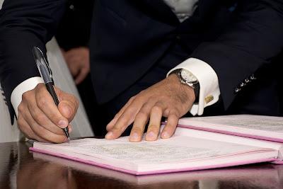 Firma de actas matrimoniales