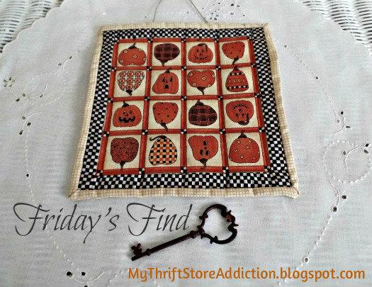 Handmade mini pumpkin quilt