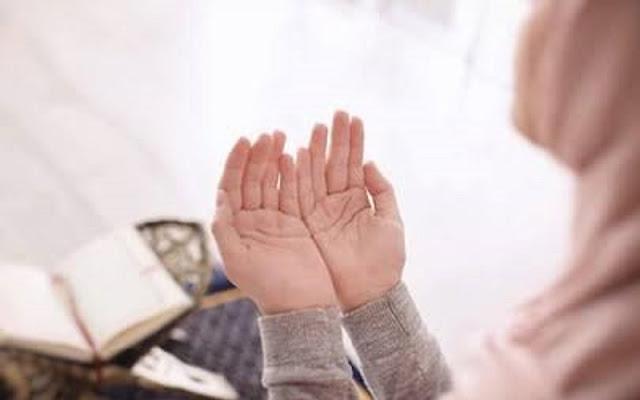 Jangan Dianggap Sepele, Inilah 7 Keajaiban Doa Istri Untuk Kesuksesan Suami