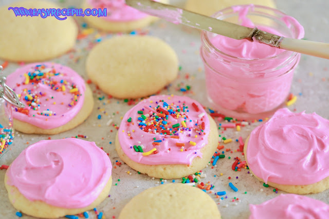Homemade Easy and Soft Sugar Cookies Recipe