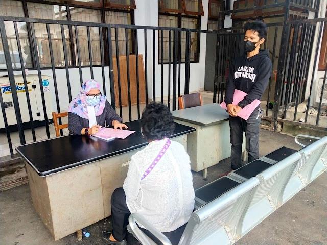 Tersangka Judi Togel Diserahkan Penyidik Polresta ke Kejari Jayapura