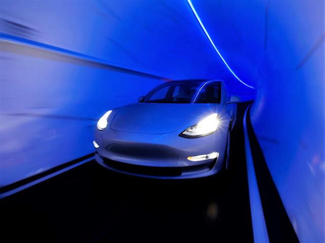 elon-musk-boring-tesla-tunnel