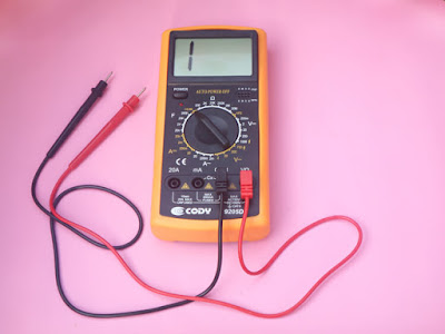 multimeter servis laptop
