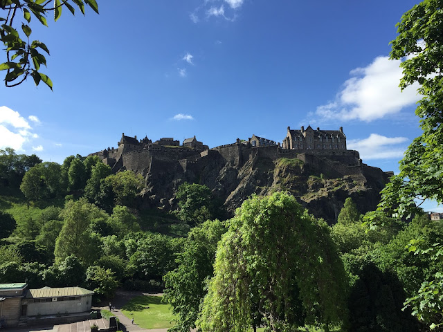 Things To Do, See and Eat In Edinburgh, Arthur's Seat, Edinburgh Zoo, Palace of Holyroodhouse, National Museum Of Scotland, Travel, Scotland, Edinburgh Castle