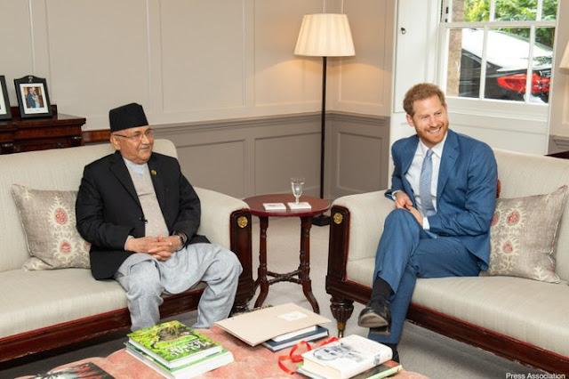 Książę Harry na spotkaniu z premierem Nepalu