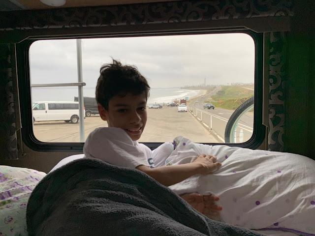 Califórnia de motorhome com filho autista