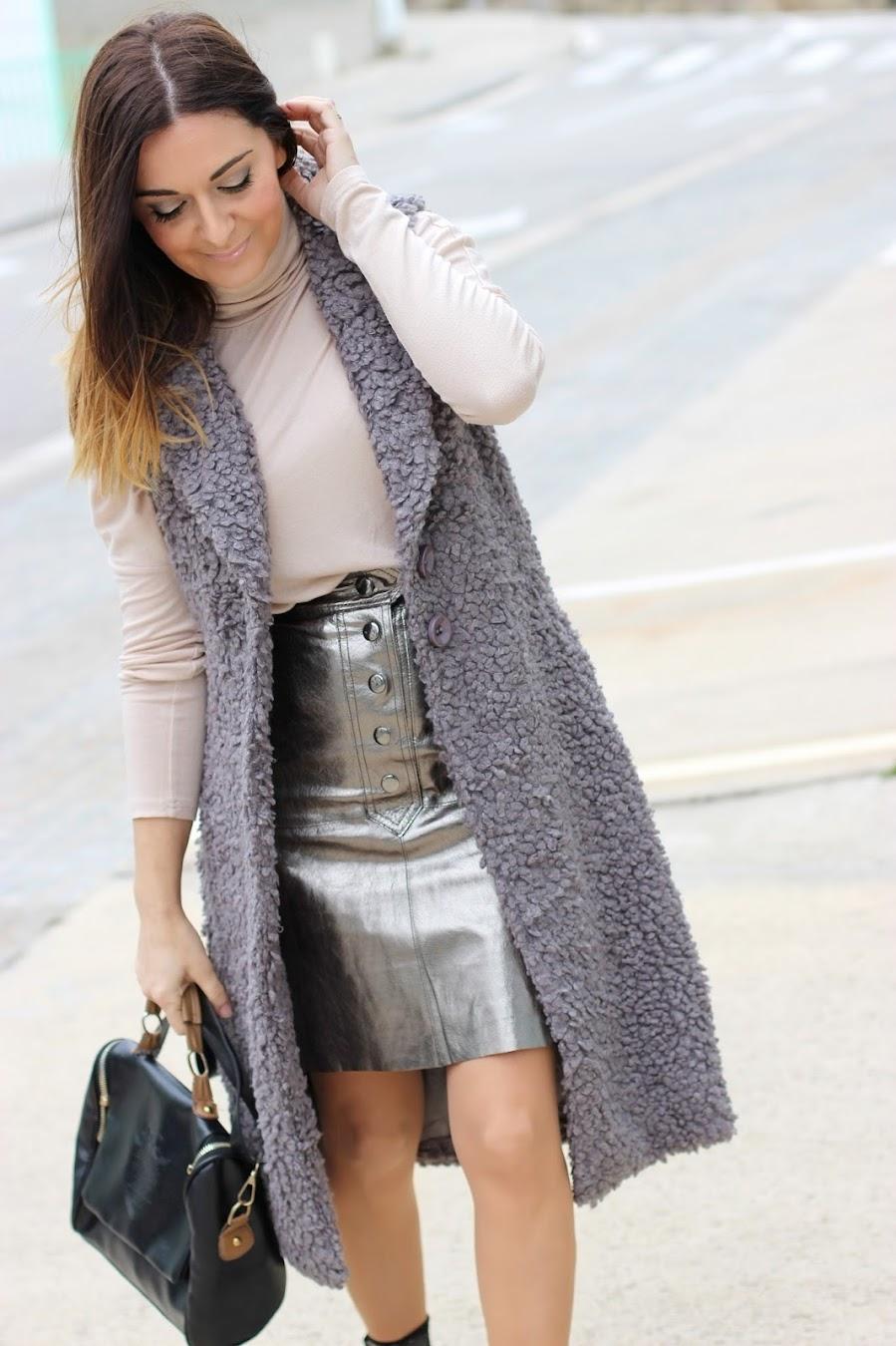 4cca4503d El blog de Renée  Como combinar una falda metálica