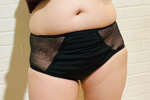 Cheeky Wipes period pants review - Feeling Fearless pants being worn
