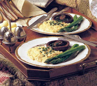 Scrambled Eggs with Mushrooms and Asparagus Recipe
