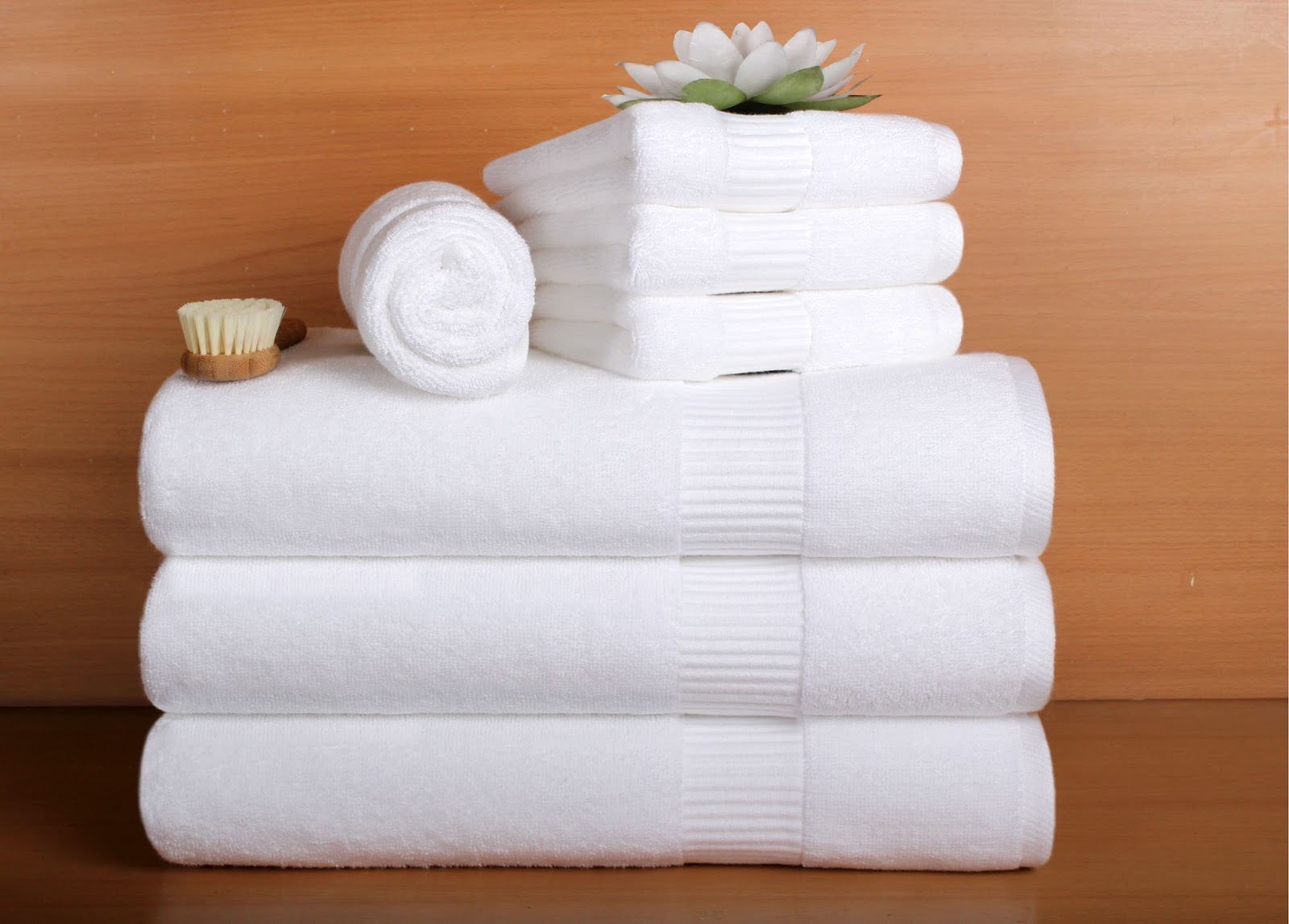Bachas Blancas Para Baño:Toallas blancas, batas de baño, vinchas de spa, Variedad de Batas de