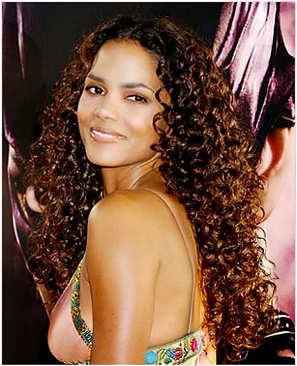 gaya rambut untuk rambut keriting panjang ketat