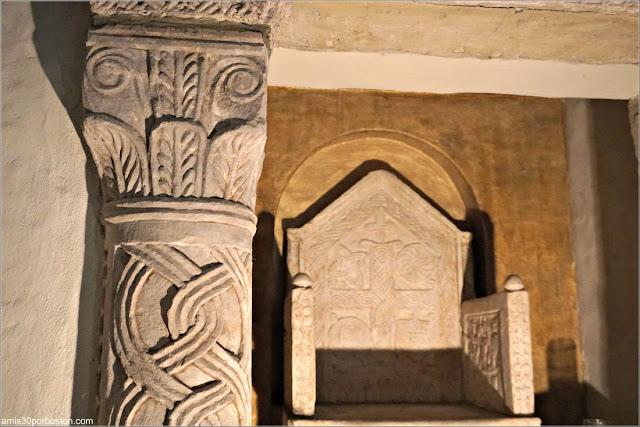 Silla de Obispo de piedra en el Great Hall del Castillo Hammond, Gloucester