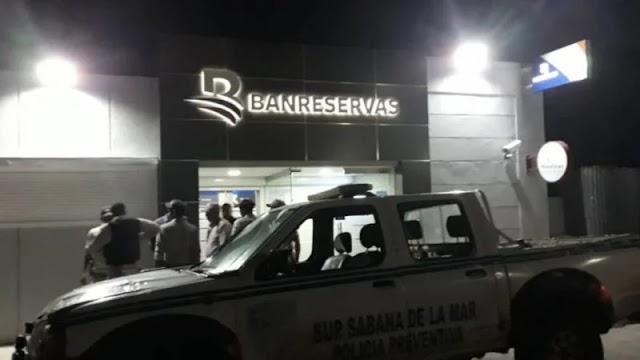 Policía Nacional trabaja en identificación y captura de asaltantes de entidad financiera en Sabana de la Mar