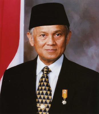 Biografi Presiden ke tiga negara republik indonesia sekaligus bapak teknologi dan demokrasi, Yaitu B.J Habibi