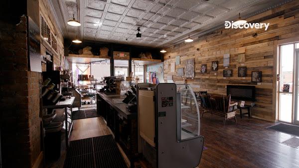 微醺豆咖啡廳兼酒吧,經營狀況不佳,加上疫情衝擊,店內門可羅雀