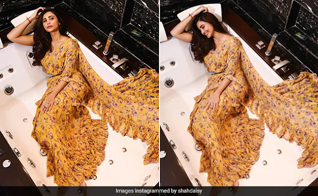Daisy Shah Looks Stunning In A Floral Printed Saree