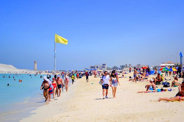Pantai Jumeirah di Dubai Turis Boleh Berbikini