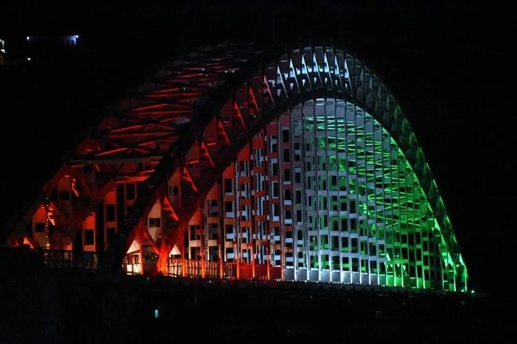 स्वयं सहायता समूह की महिलाओं द्वारा बनाई गई एलईडी लाइटों से कुछ इस तरह जगमगा रहा है चिन्यालीसौड़