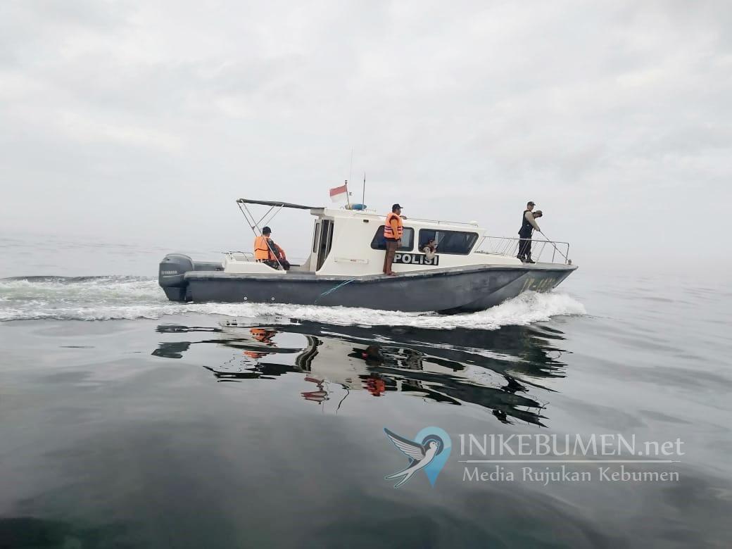 Ribuan Ikan Mati di Pantai Jetis, Sat Polair Polres Kebumen Intensifkan Patroli Laut