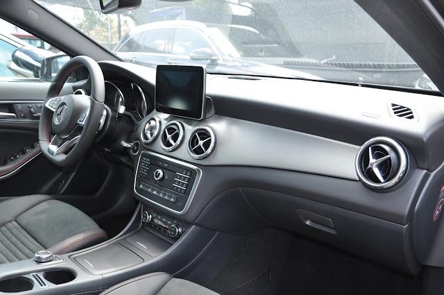 Mercedes GLA 250 4MATIC có nhiều tiện ích