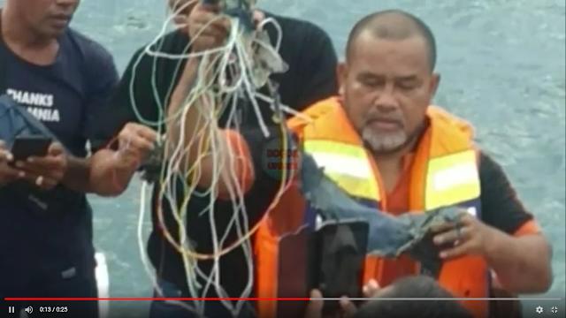 Petugas Melihat Serpihan Diduga Pesawat Sriwijaya Air di Kepulauan Seribu
