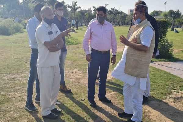 faridabad-nit-86-congress-mla-neeraj-sharma-dabua-park-news