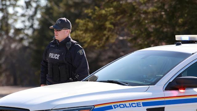 Un hombre armado de 51 años mata a una decena de personas en Canadá