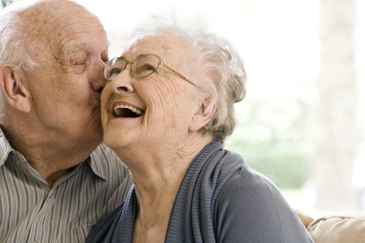 Người già lớn tuổi cần gì lúc này?