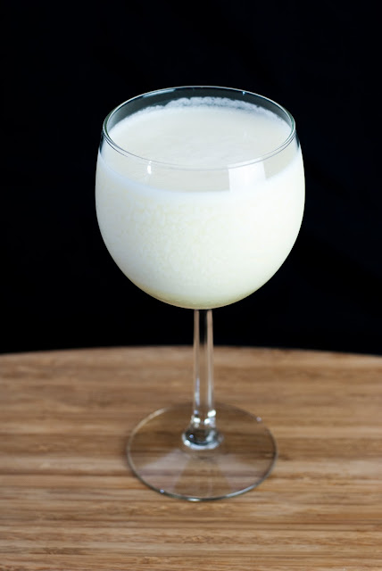 chi chi cocktail, vodka, pineapple juice, cream of coconut