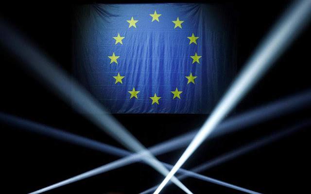Politico: Οι τέσσερις λόγοι που οδηγούν τους Ευρωπαίους στις κάλπες