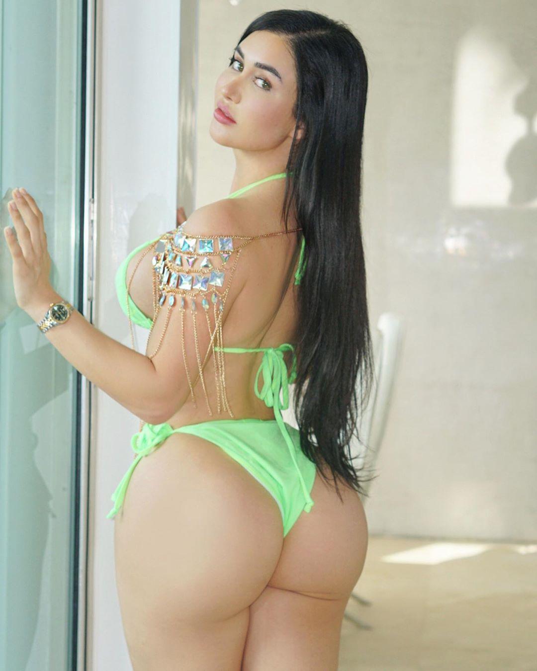 Joselyn Cano Hot Photos in Green Bikini