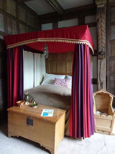 Tudor bed and Tudor sleeping