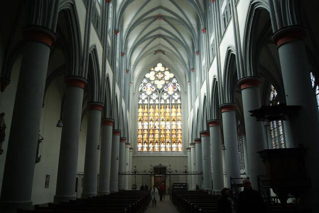 Der Innenraum des Altenberger Doms