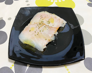 Tosta de bacalao ahumado con salmorejo