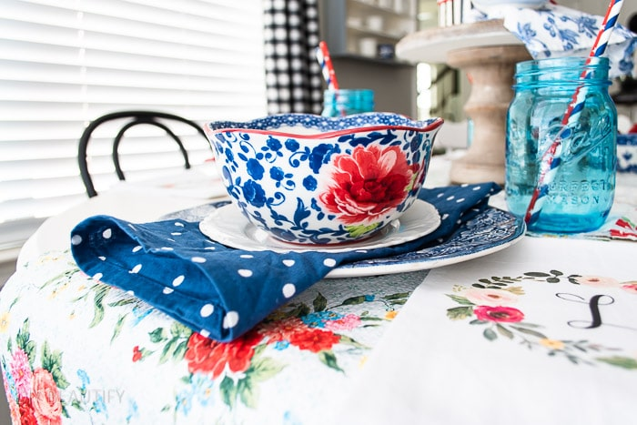 patriotic table with red, blue and florals