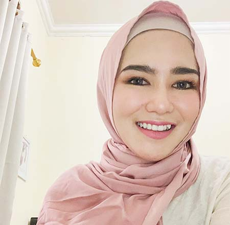 Masayu Clara Pakai Hijab 2