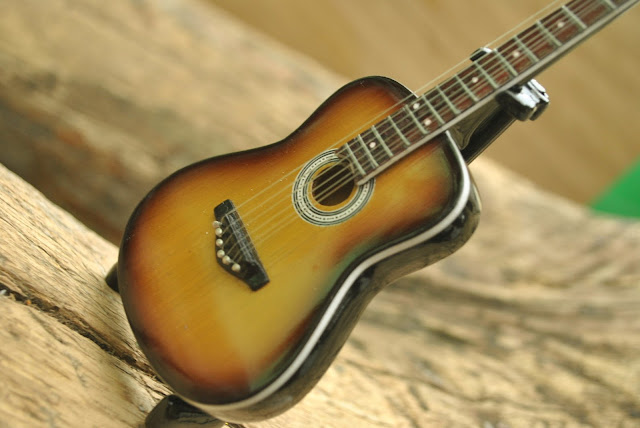 kunci gitar parfum De
