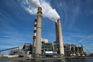Coal plant (Credit: cleantechnica.com) Click to Enlarge.
