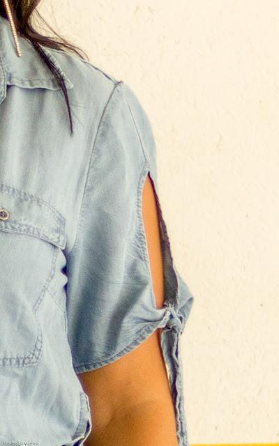 Vestido jeans com a cintura marcada: YDH Store