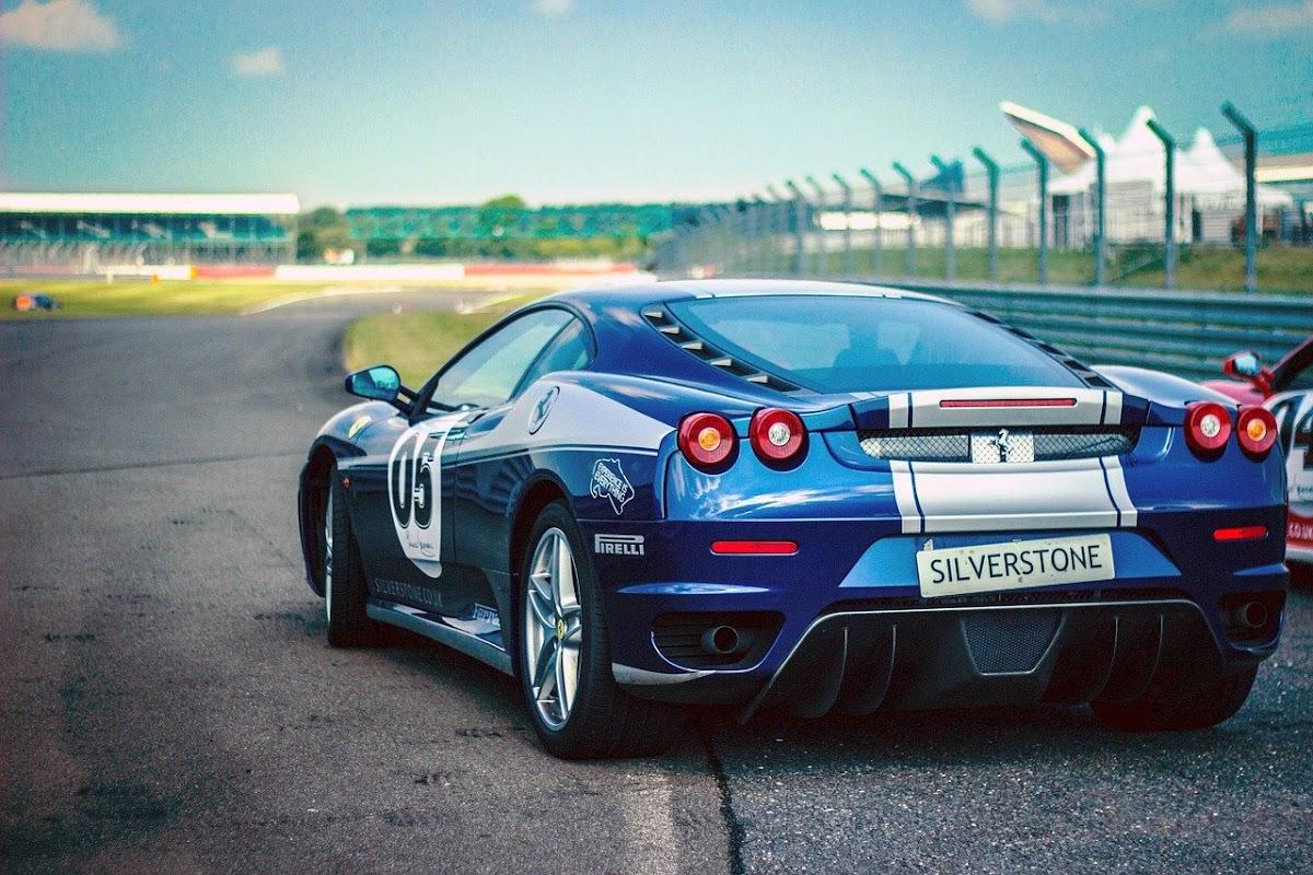 Download Wallpaper Race star car sport