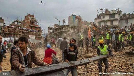 Fuerte terremoto de 7,9 grados en Nepal