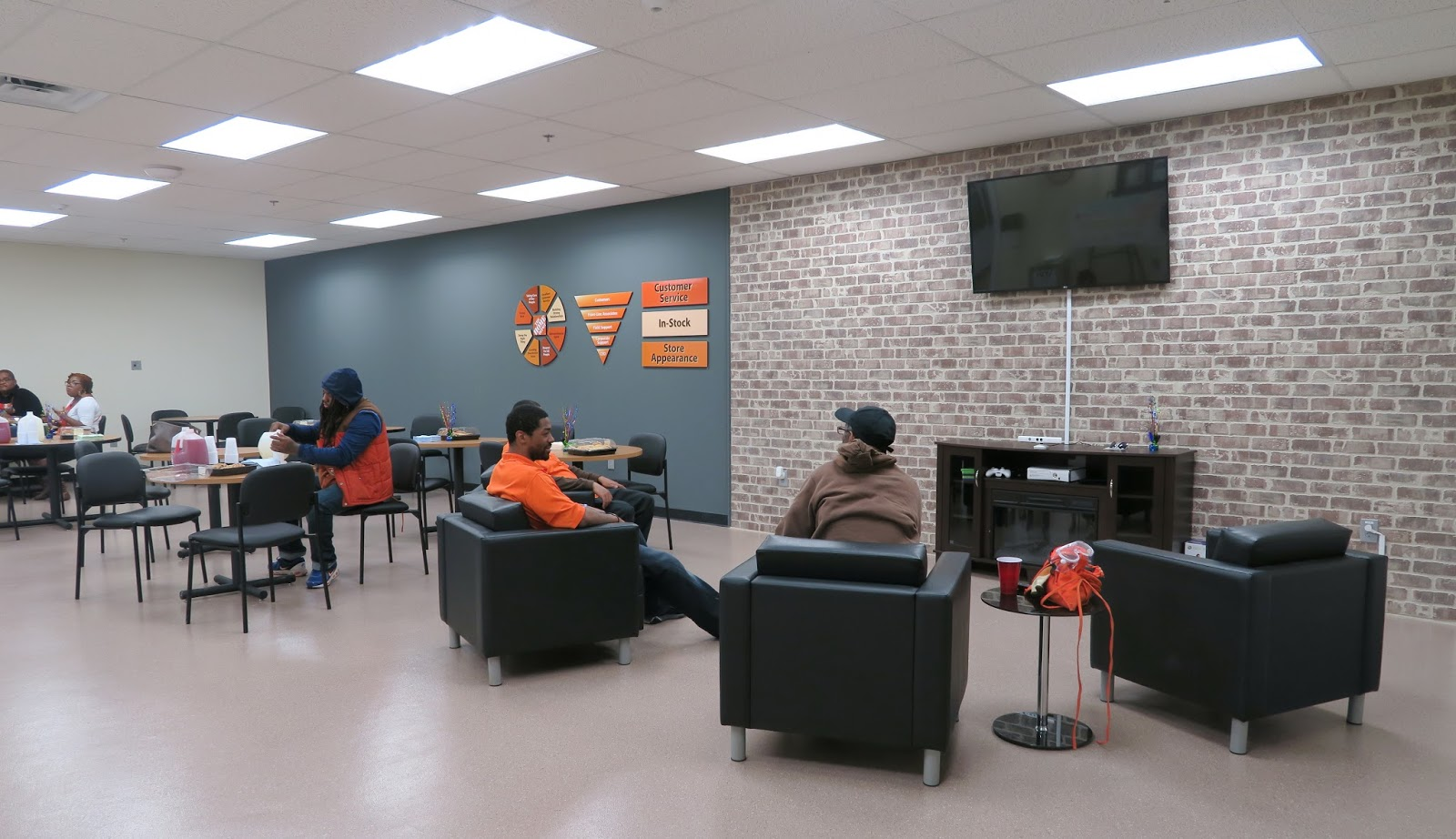 The Annandale Blog: Expanded Home Depot Now Open