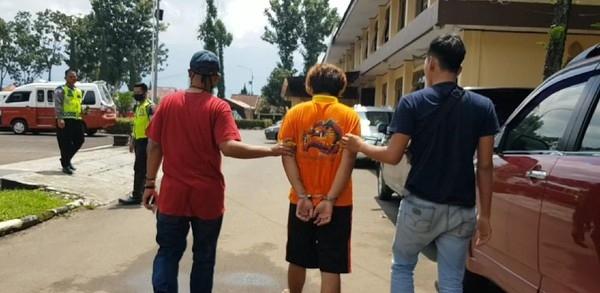 Sambil Nangis, Pria Garut yang Sekap Pacar Ngaku Salah dan Minta Maaf