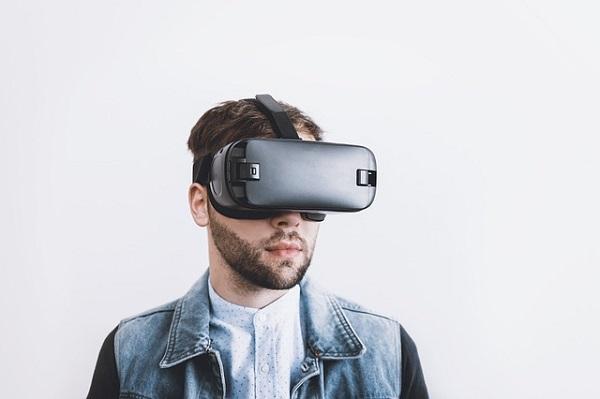 أفضل تطبيقات الواقع الافتراضي VR للاندرويد و ايفون