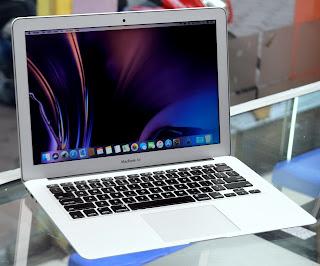 Jual MacBook Air Core i5 A1466 (13.3-inch ) Malang