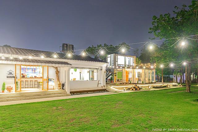 MG 3850 - 窩草的日子,台中人氣景觀餐廳,純白玻璃貨櫃屋搭配大片草皮好放鬆,夜晚閃閃發光也很美!