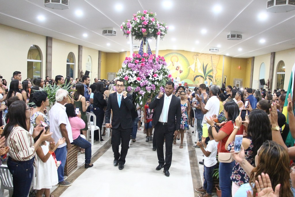 São Desidério celebra tradicionais festejos religiosos da Padroeira e do Divino Espírito Santo
