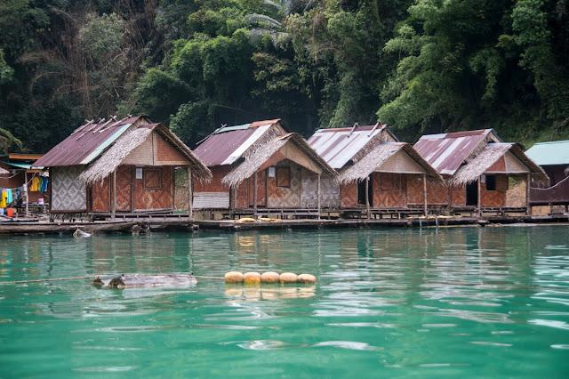 Khao Sok w Tajlandii, domki na wodzie