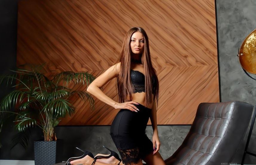 GabrielleBerange Model GlamourCams
