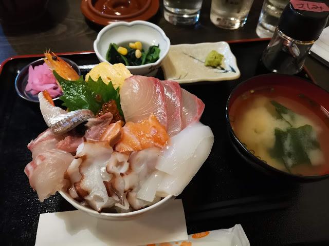 海鮮丼 串カツの成久(なるひさ)はランチもおすすめ!